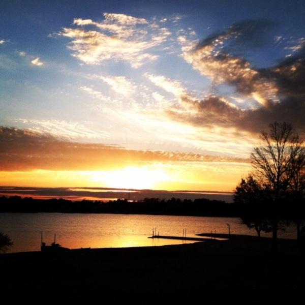 Instagram lake sunset