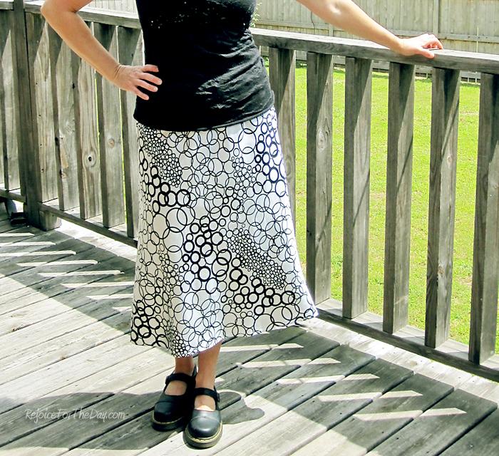circle patterned skirt