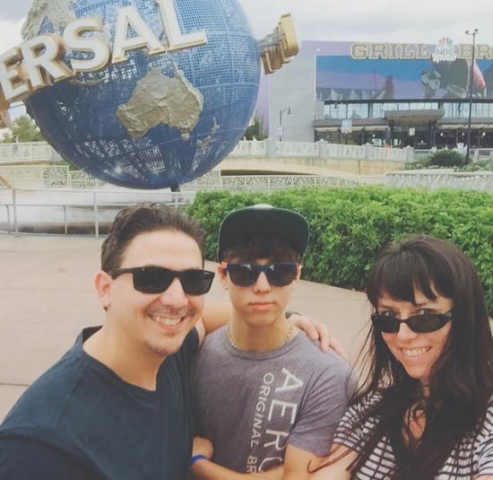Universal us-selfie